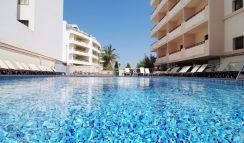 4* Invisa Hotel La Cala auf der Insel Ibiza • Für Erwachsene ab 18 Jahre!